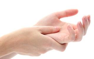 Каковы причины онемения пальцев рук?