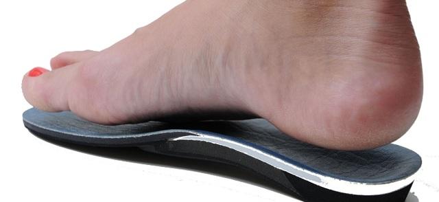 Шпора на ноге. Как быстро вылечить, избавиться в домашних условиях. Пяточная, подошвенная. Фото, симптомы, удаление лазером, народные средства