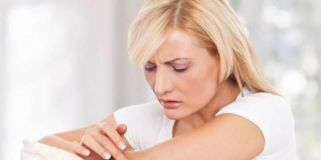 Потница у взрослых: лечение в домашних условиях, симптомы и фото потницы