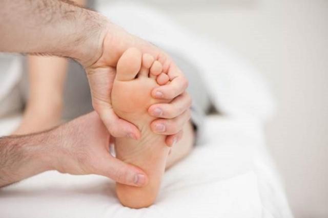 Фасцит пятки. Симптомы и лечение стопы самому народными средствами, операция