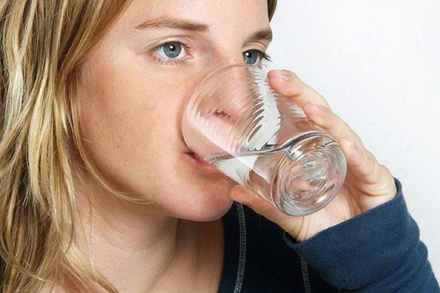 Повышенное внутриглазное давление: симптомы и лечение, норма у взрослых в таблице