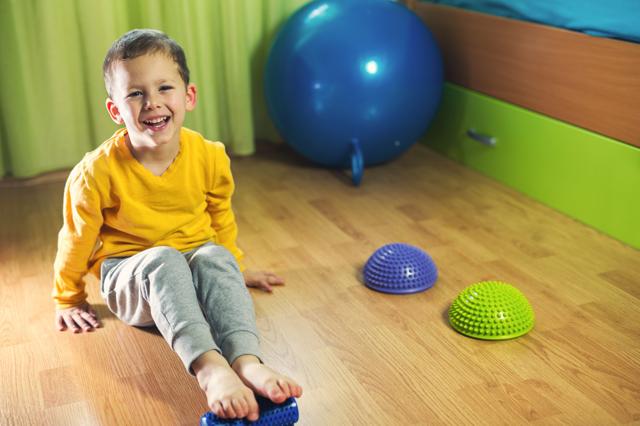 Плоскостопие у детей. Как лечить в 3-5, 10-12 лет и старше. Причины, симптомы, как определить, диагностика, консультация для родителей, профилактика и методы лечения