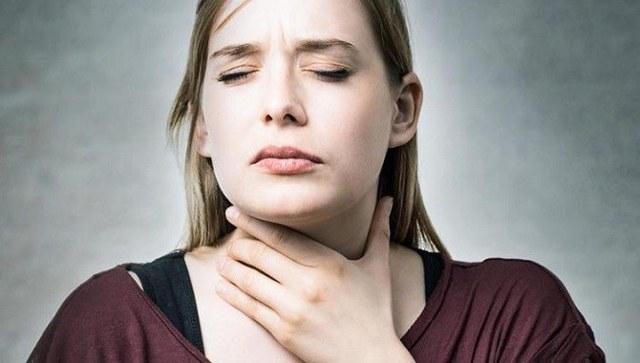 Киста щитовидной железы: что это такое и как лечить? Симптомы у женщин, лечение